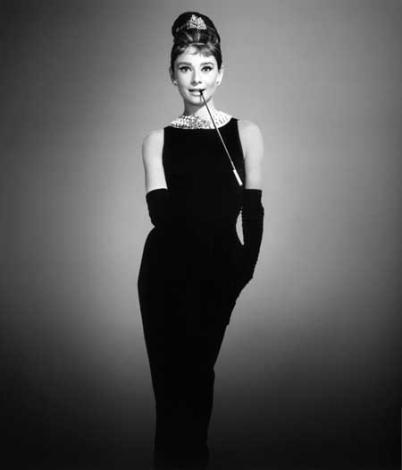 Audrey Hepburn a little black dressben